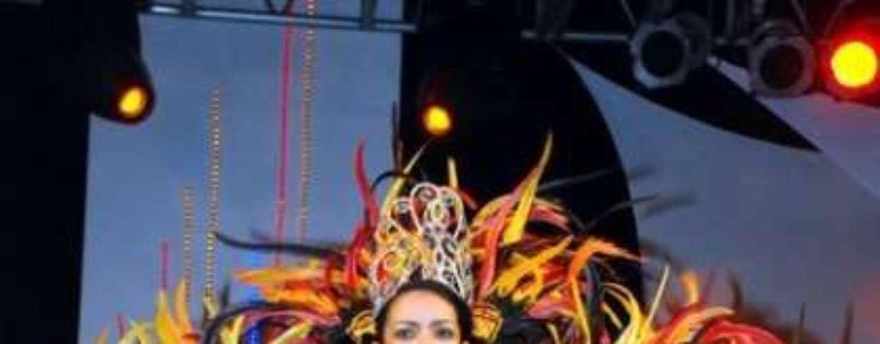 Elianis Garrido, la Reina del Carnaval de la 44.