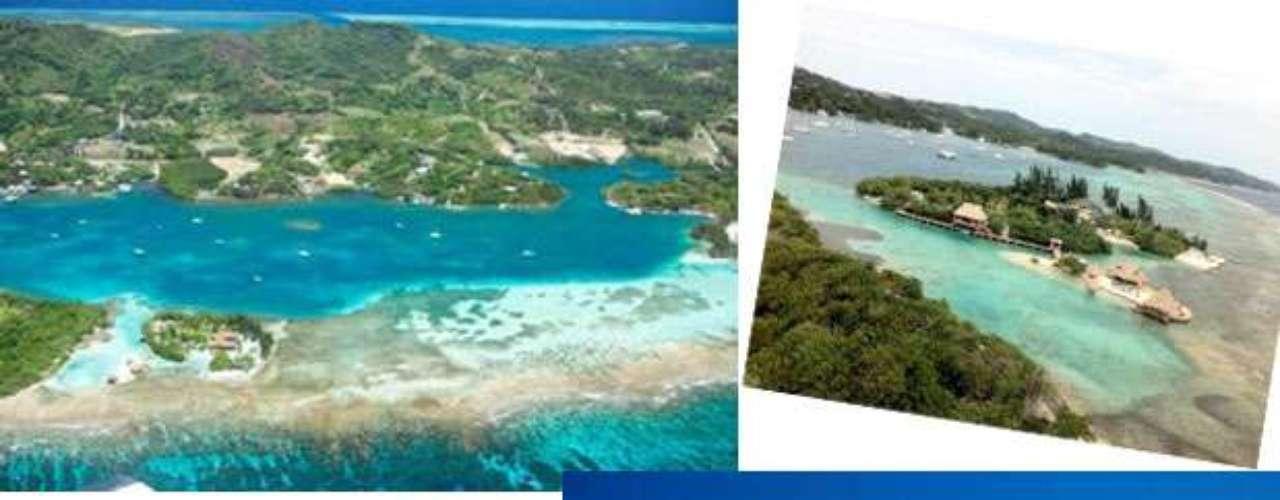 Little French Cay es una isla ubicada en Honduras avaluada en 7.9 millones de dólares, dos islas muy seguras por encontrarse alrededor de un arrecife de coral vírgen, además de ser un remanso de paz con sus aguas azules y sus playas de arena blanca, con palmeras se mueven al son de la fresca brisa tropical. Un lugar apartado de ensueño.