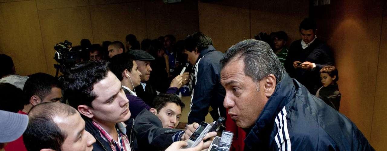 'Todos queremos que Millonarios llegue a donde tiene que estar y para eso debemos estar unidos, afirmó el nuevo DT del equipo'.