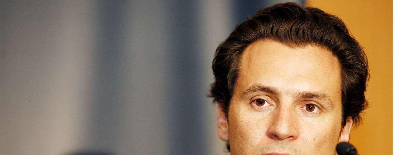 Para la Secretaría de Relaciones Exteriores se ubica a Emilio Lozoya, quien fuera director del ISSSTE y secretario de Energía, en el gobierno salinista.