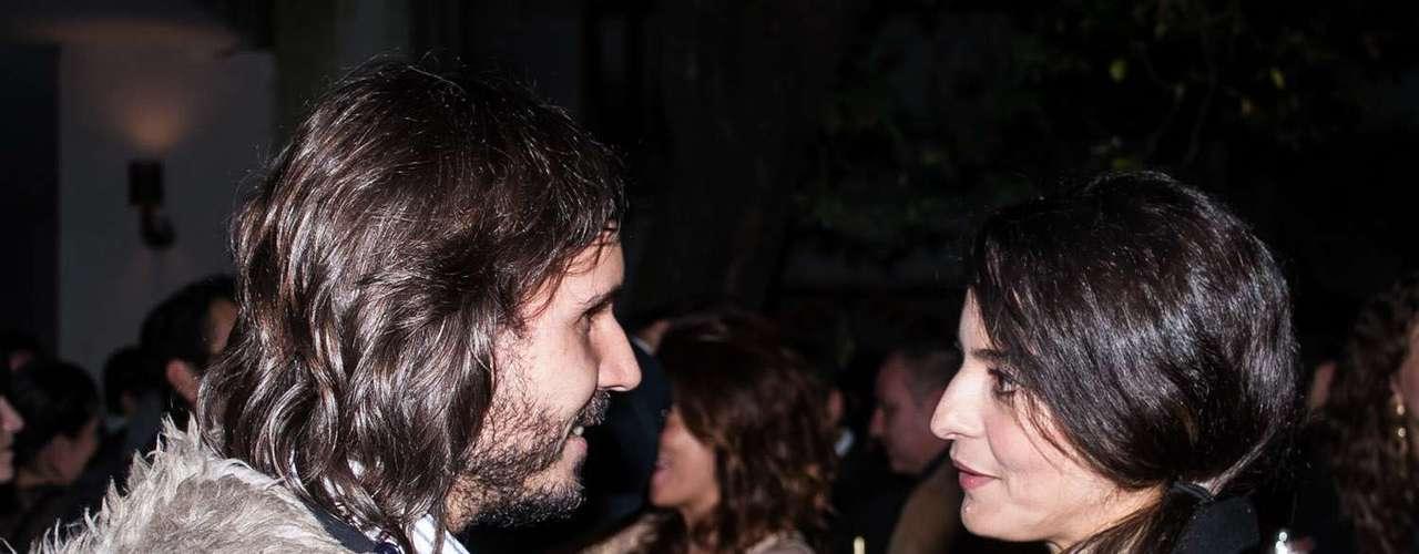 El director de cine Andi Baiz (izq) de cintas como 'Satanás' y 'La Cara Oculta' conversa con Patricia Castañeda.