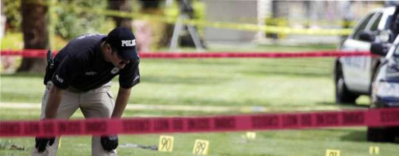 Los crímenes violentos en Los Ángeles disminuyeron cerca de un 9 % en el primer semestre de 2012, según un informe dado a conocer por el Departamento de Policía de la ciudad californiana. Sin embargo, los residentes no pueden estar del todo tranquilos ya que las violaciones sexuales se mantienen a la orden del día. Conozca más del panorama de inseguridad que impera en esta ciudad y tome tus precauciones: