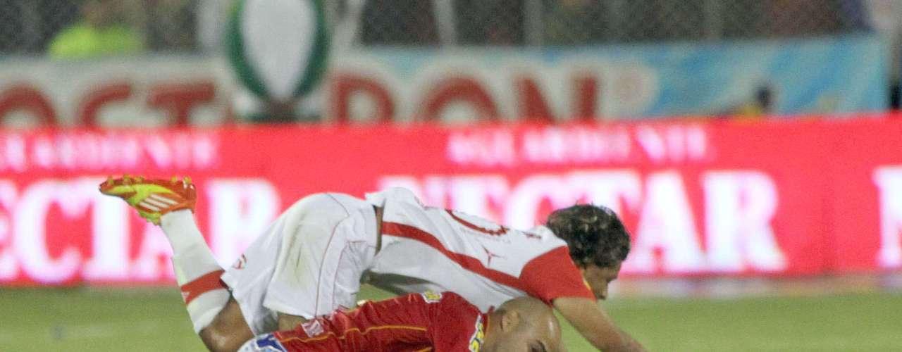Los dos equipos estuvieron imprecisos con el balón y varios jugadores importantes para los dos clubes, tuvieron una mala noche en el estadio de Pasto