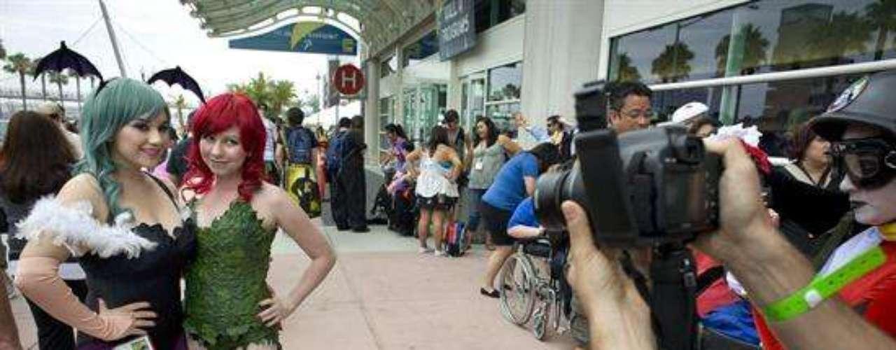 La ciudad californiana San Diego recibe desde el jueves su célebre Comic-Con, un festival de cultura pop que atrae a miles de fanáticos de los cómics, el cine y la televisión, que por lo general, lucen los mejores disfraces nunca antes vistos. Personas que no sienten vergüenza, personas felices.