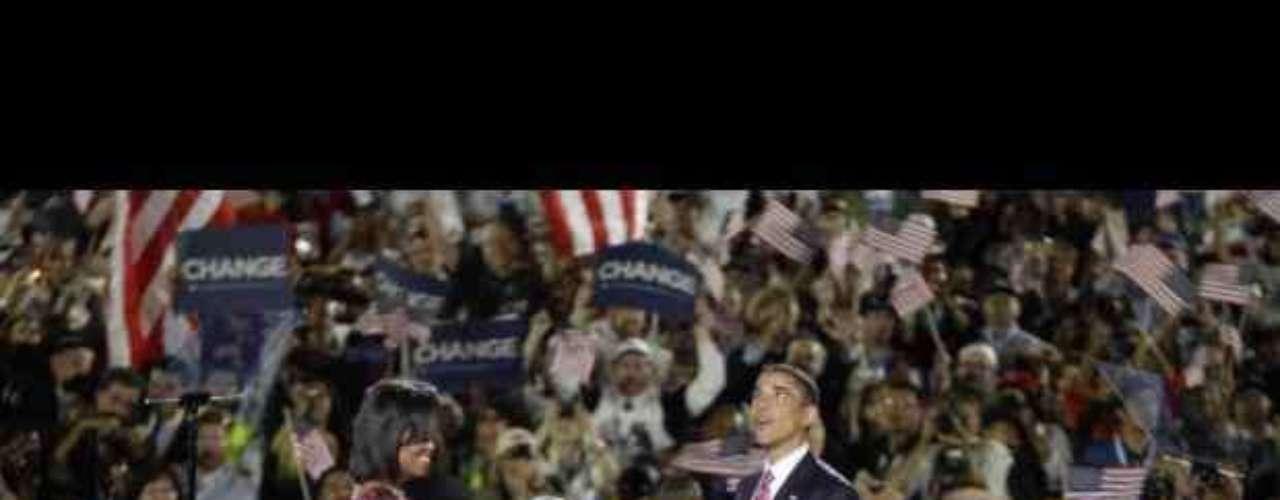 El discurso de Barack Obama aceptando la nominación del Partido Demócrata a la Presidencia de los Estados Unidos (2008) Obama había ganado las primarias. Se hizo oficial en la Convención Nacional del Partido Demócrata, celebrada en Denver a finales de agosto de 2008. Ahí pronunció un discurso donde aceptaba la nominación del Partido Demócrata para las elecciones presidenciales del 4 de noviembre. Es decir, ya quedaba solo él como candidato demócrata para el camino hacia la Casa Blanca.
