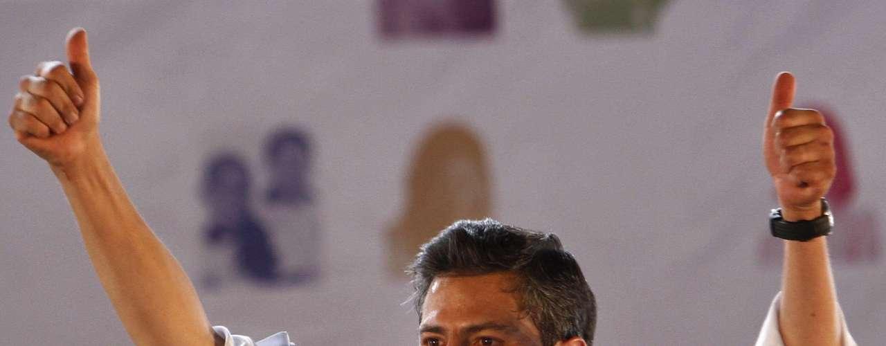 Según datos del Instituto Federal Electoral (IFE) Peña Nieto ganó los comicios con el 38,21 % de los votos, mientras que el izquierdista Andrés Manuel López Obrador quedó segundo, con el 31,59 % por ciento de los sufragios.