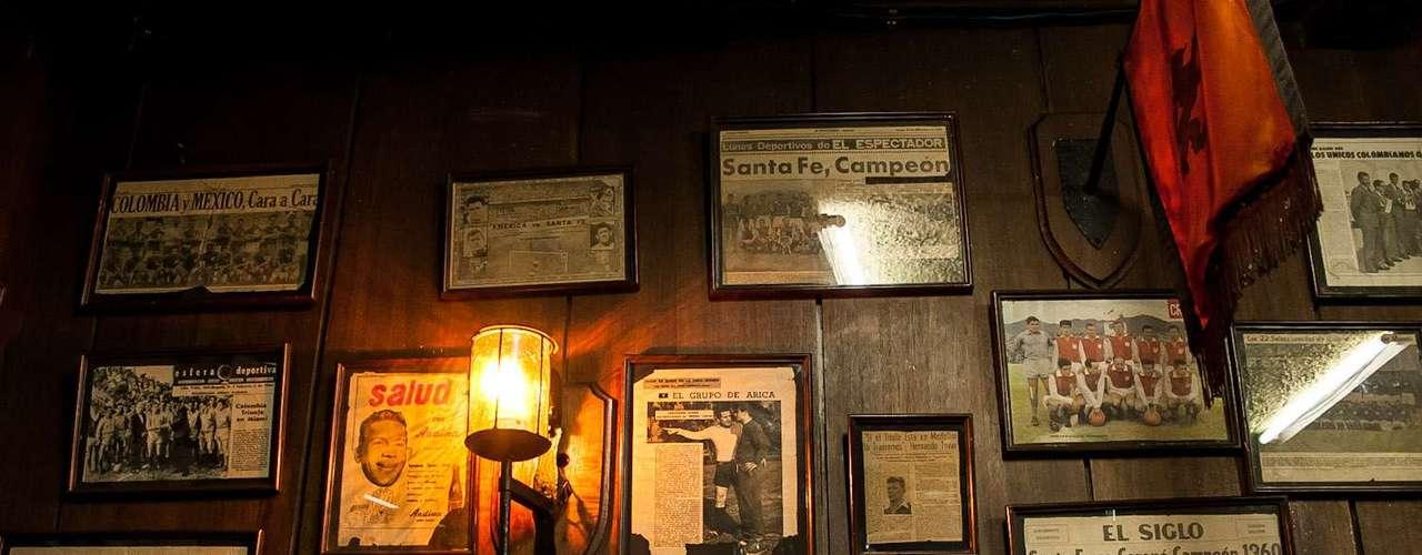 'El Mono' Tovar salió de la cantera de Independiente Santa Fe y toda su carrera la hizo con el equipo bogotano.