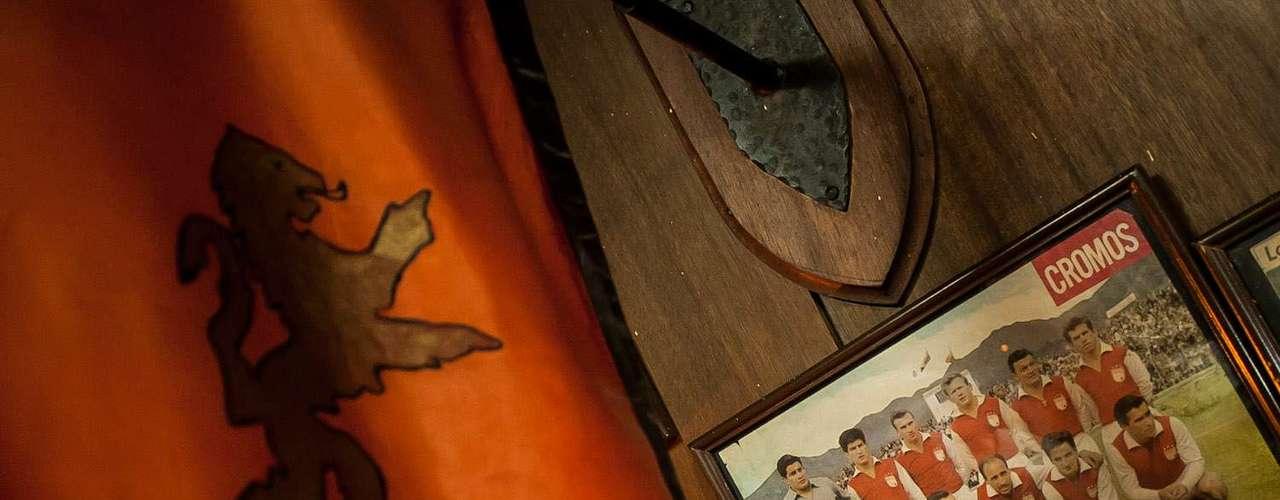 En su restaurante se encuentran fotos memorables, como su paso por la Selección Colombia.