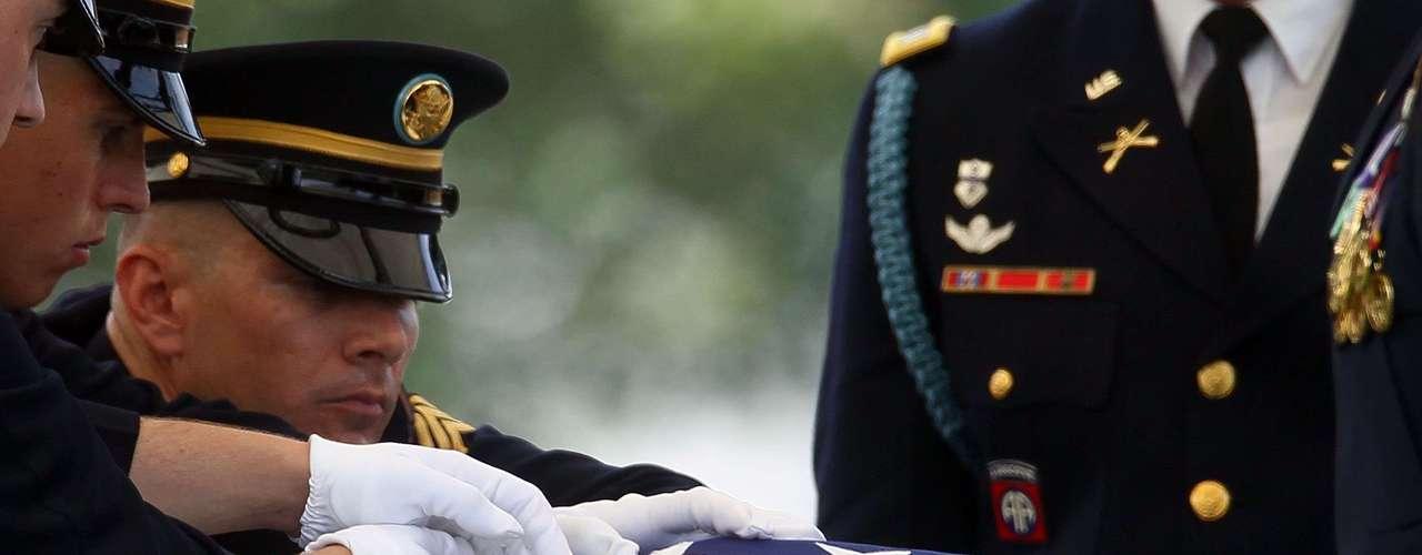De acuerdo con la publicación, el suicidio alcanzó el nivel de epidemia. El porcentaje de muertos por suicidio subió 80 por ciento desde 2004, cuando Estados Unidos libraba también combates en Irak.