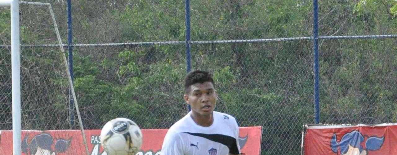 El delantero, que se ha entrenado las últimas semanas con el Junior, no jugará debido a que no llegó el transfer desde Argentina.