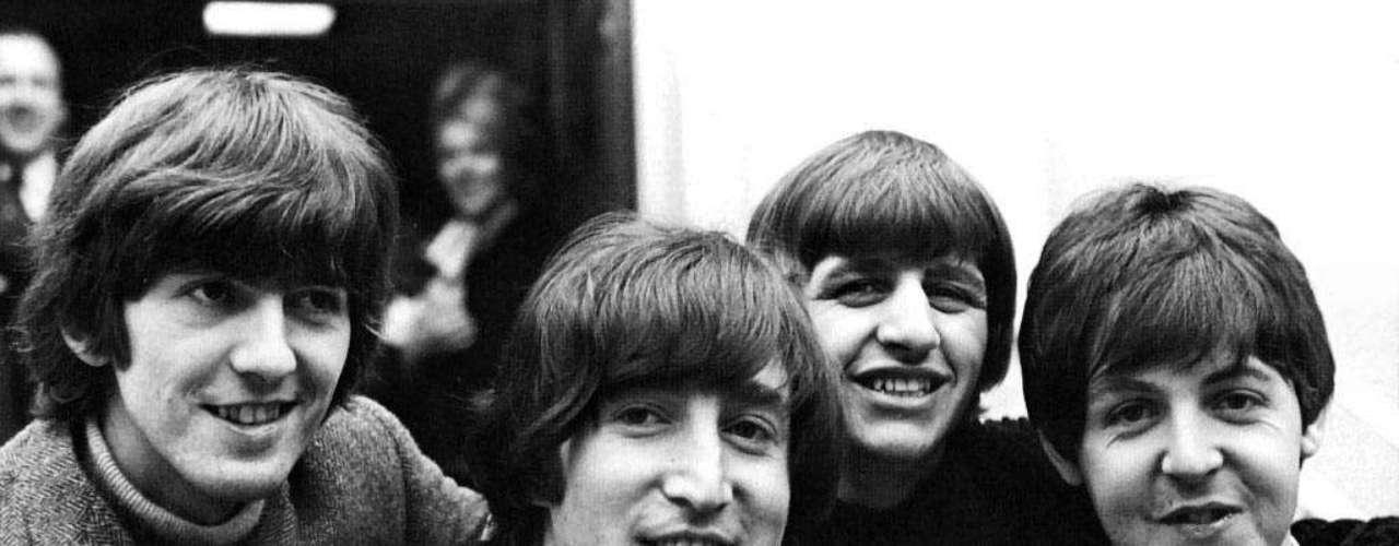 La canción 'Yesterday' de The Beatles es la más grabada por diferentes artistas en la historia, con un record de 1300 ediciones.