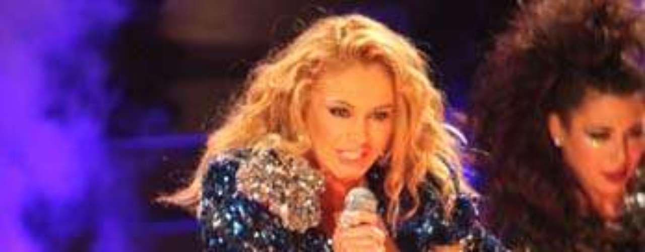 Paulina Rubio por miedo a verse opacada por Jenni Rivera, en el programa \
