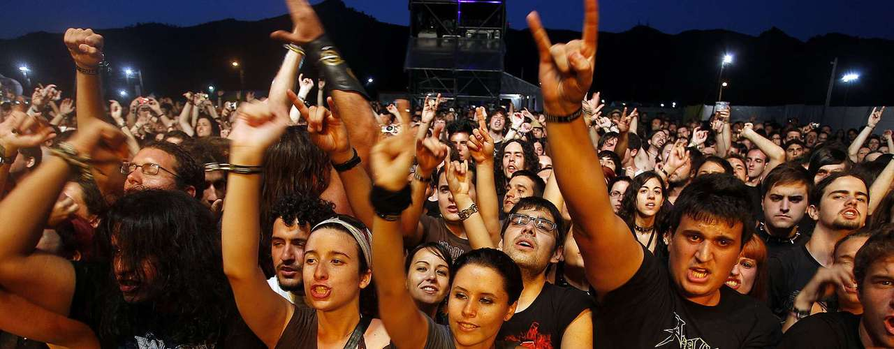 23:03 - Queda ya poco para vivir la sensación de ver a Marilyn Manson en concierto.