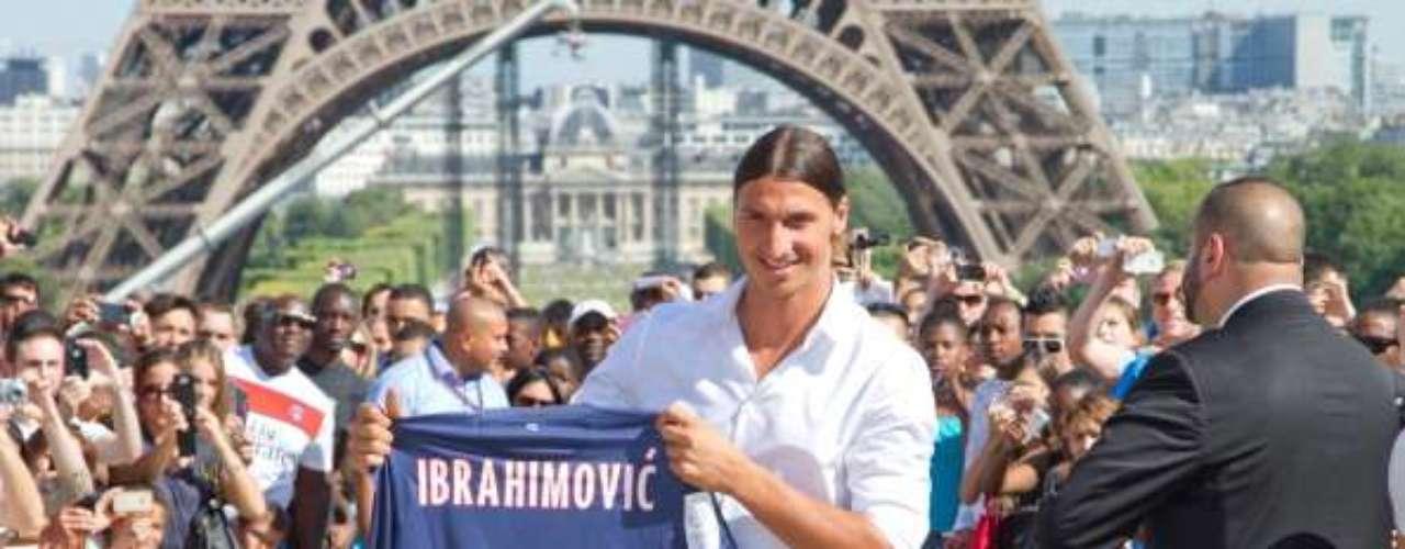 Aunque no le hizo mucha gracia en un inicio, Zlatan Ibrahimovic dejó al Milan para convertirse en el nuevo consentido del PSG.