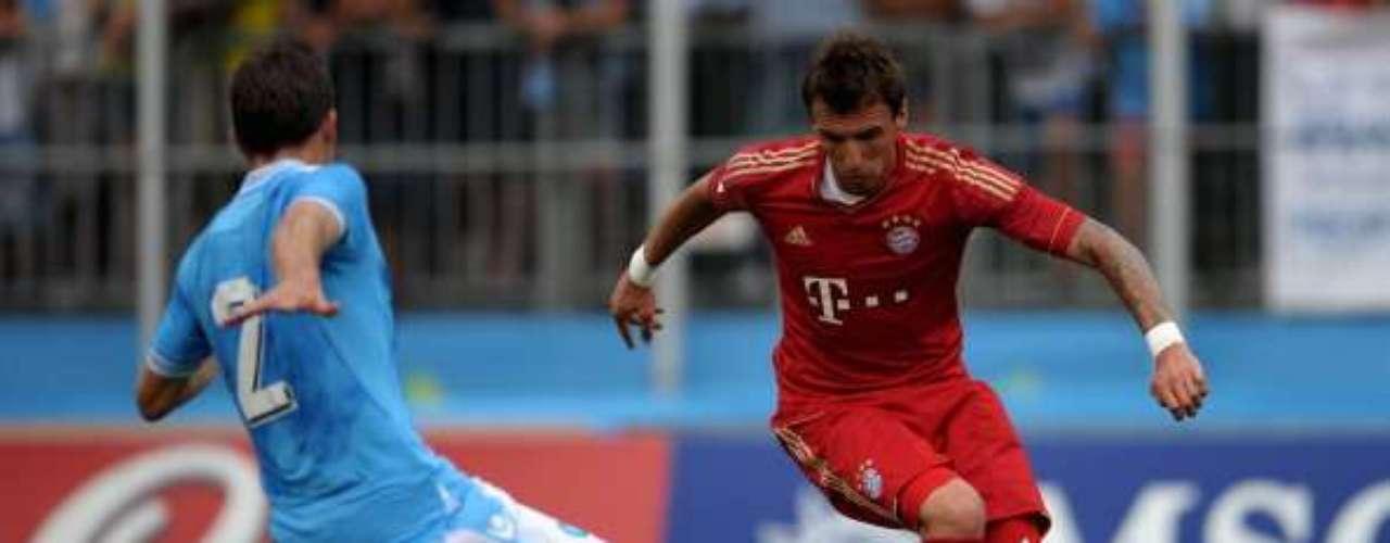 Mario Mandzukic es una de las nuevas joyas del futbol croata; tras un breve paso por el Wolfsburgo, defenderá los colores del Bayern Munich la campaña 2012-13.