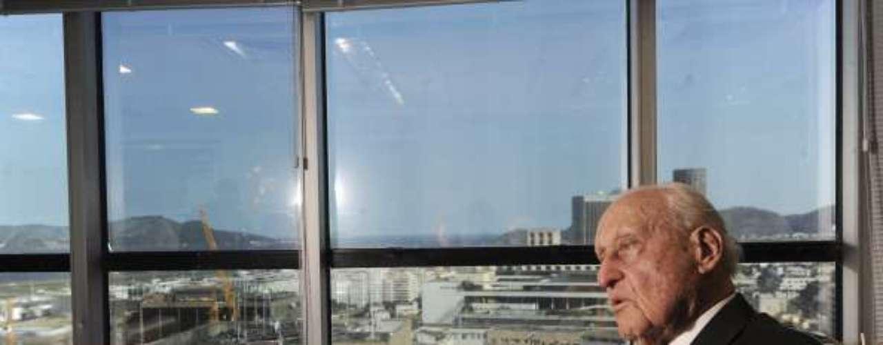 Joao Havelange, quien presidente de FIFA por 24 años (1974-1998), habría aceptado US$ 1.5 millones en el mencionado caso de corrupción.