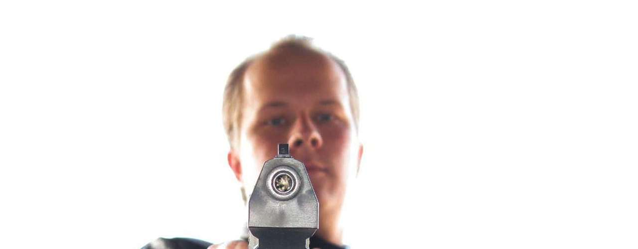 FINLANDIA - 23 de septiembre del 2008 - El estudiante Matti Saari (foto) abrió fuego en una escuela vocacional en Kauhajoki, en el noroeste de Finlandia, provocando la muerte de otros nueve estudiantes y un hombre del personal antes de suicidarse.