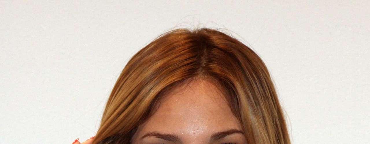 Eiza Gonzalez went blonde for 'Amores Verdaderos.'
