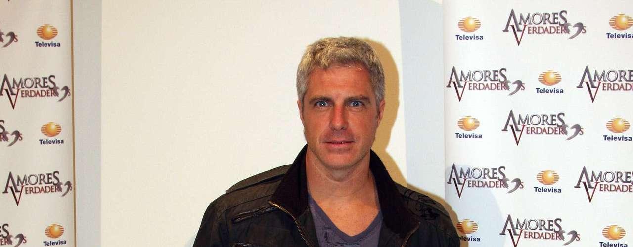 Lisardo is back to telenovelas on 'Amores Verdaderos.'