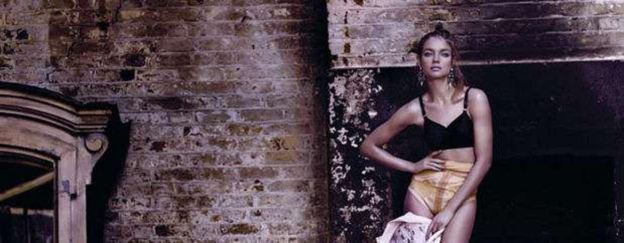 La modelo Natalia Vodianova en una de las fotografías exhibidas en \