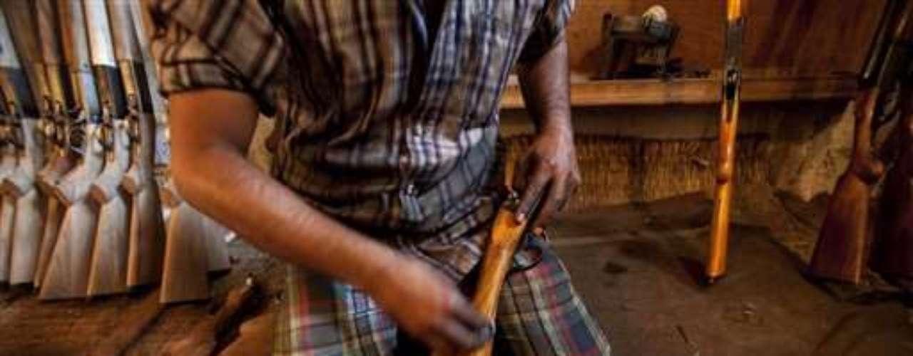 En Corea del Sur se sanciona con la pena de muerte a cualquier individuo que posea o utilice un arma de fuego.