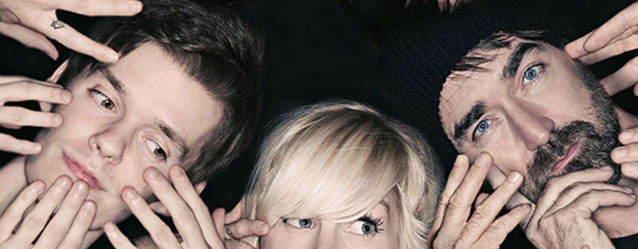 Walk of The Earth representará a Canadá en la edición 2012 del festival Lollapalooza. La proyección del quinteto que tiene como musa a Sarah Blackwood aumentó con la difusión de su cóver al éxito de Gotye, 'Somebody That I Used To Know'.
