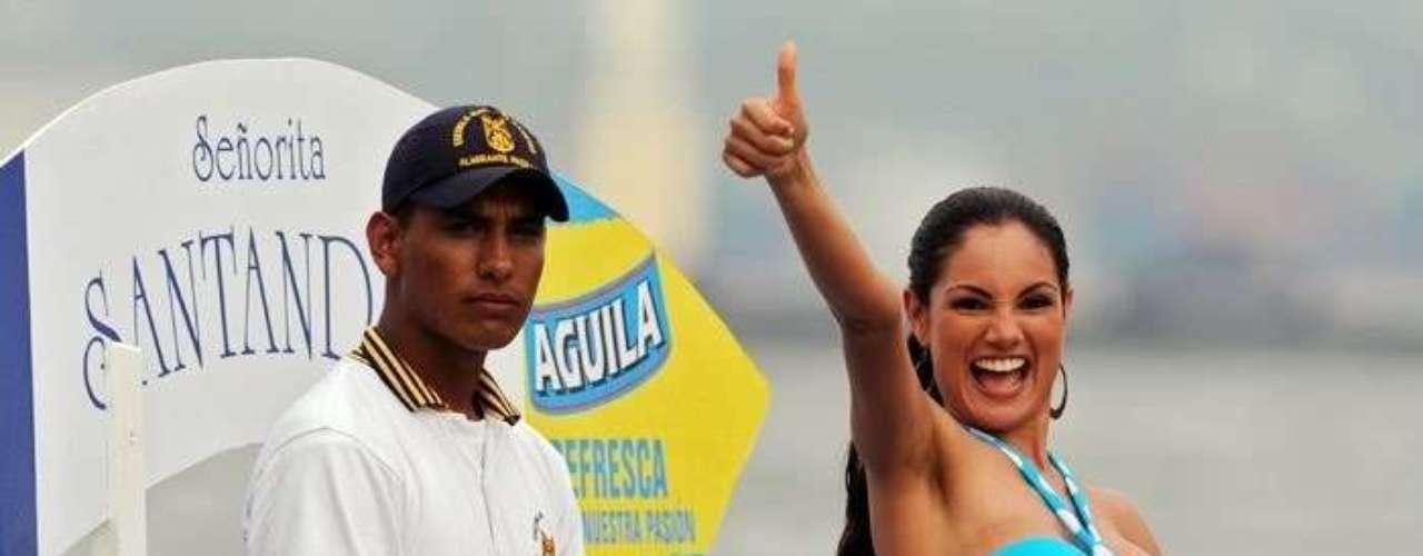 Participó en el concurso Señorita Colombia representando al departamento de Santander en 2009, año en el que se llevó la corona la señorita Bolivar Natalia Navarro Galvis.