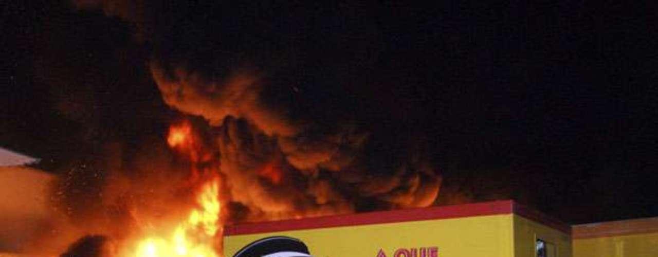 Los Caballeros Templarios también serían responsables del peor ataque a una compañía multinacional en los años recientes. En mayo, fueron incendiados 30 camiones y dos bodegas en Michoacán que pertenecían a la empresa de botanas Sabritas, propiedad de PepsiCo.