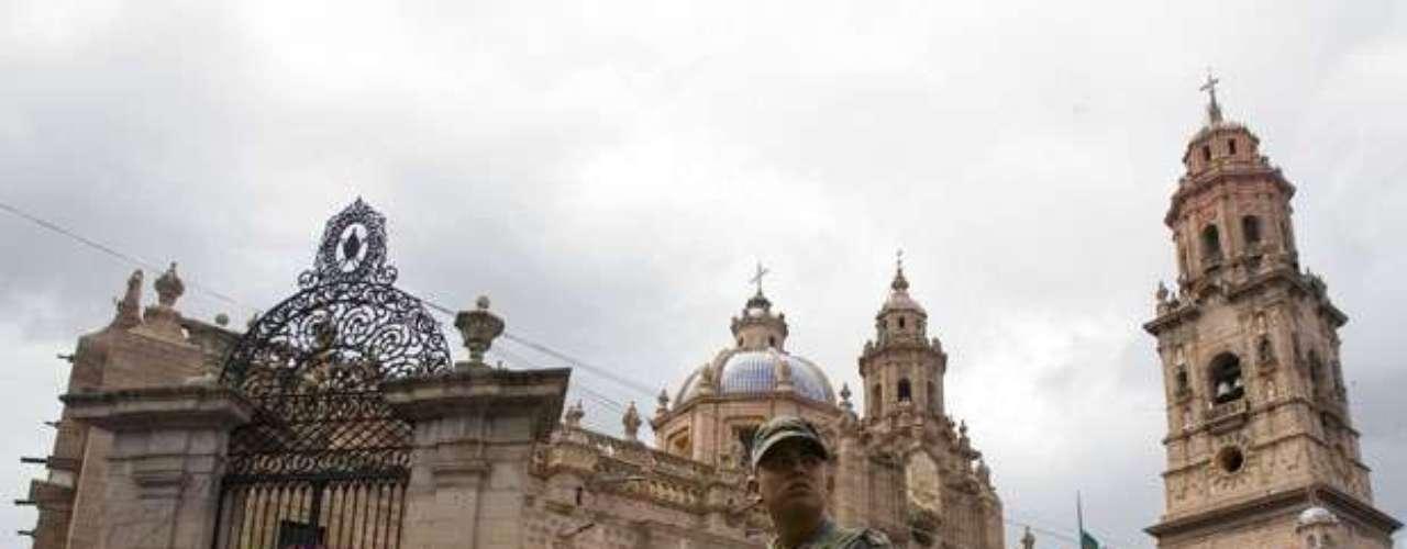 Las creencias religiosas de los Caballeros Templarios no se conocen con exactitud. Mientras que Moreno fue evangélico, el nombre Caballeros Templarios se relaciona más con la iglesia católica romana. De hecho, cuando el Papa Benedicto visitó México en marzo, los Caballeros Templarios pidieron paz en su honor. (Fuente: Reuters)