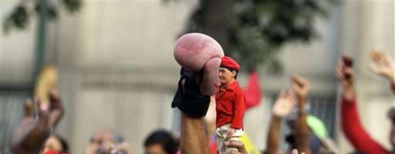 Chávez empezó con actividades en el palacio presidencial y ha realizado pocas salidas a ciudades del interior, aunque ha ido aumentando sus salidas a distintos barrios de Caracas.