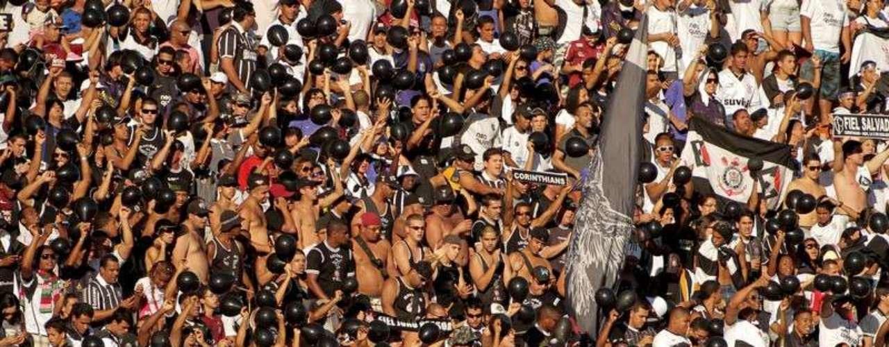 Corinthians de Paolo Guerrero empata de visita con Bahía por el Brasileirao 2012