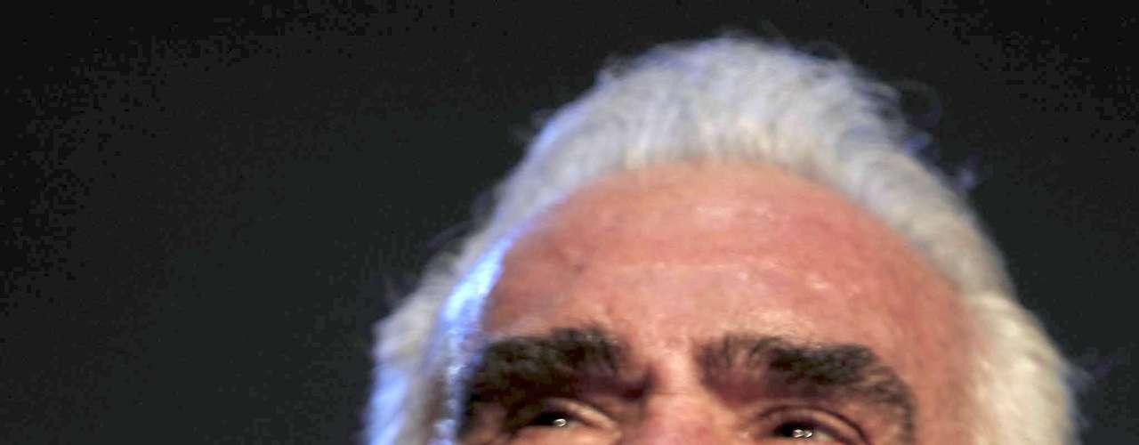 Ante las denuncias hechas por residentes en Panamá de una supuesta estafa por unos 200 mil dólares, una empresa representante de Vicente Fernández desmintió, mediante un comunicado de prensa, que el músico vaya a presentarse el 16 de agosto en el país.