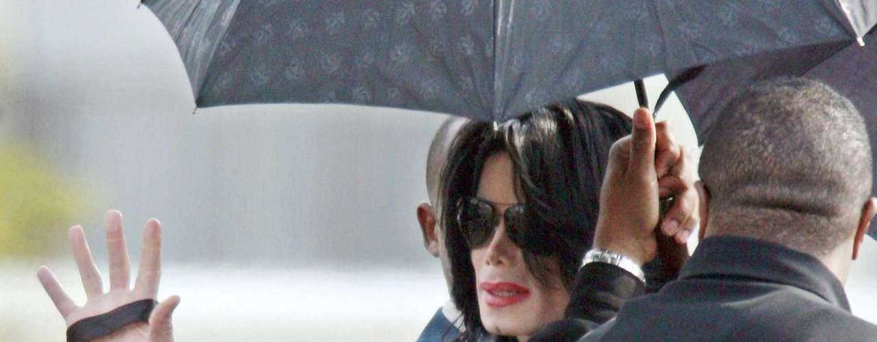 Pero, el proceso legal para descubrir a qué se debió la muerte Michael Jackson no ha sido el único lío en los tribunales al que se ha enfrentado la familia.