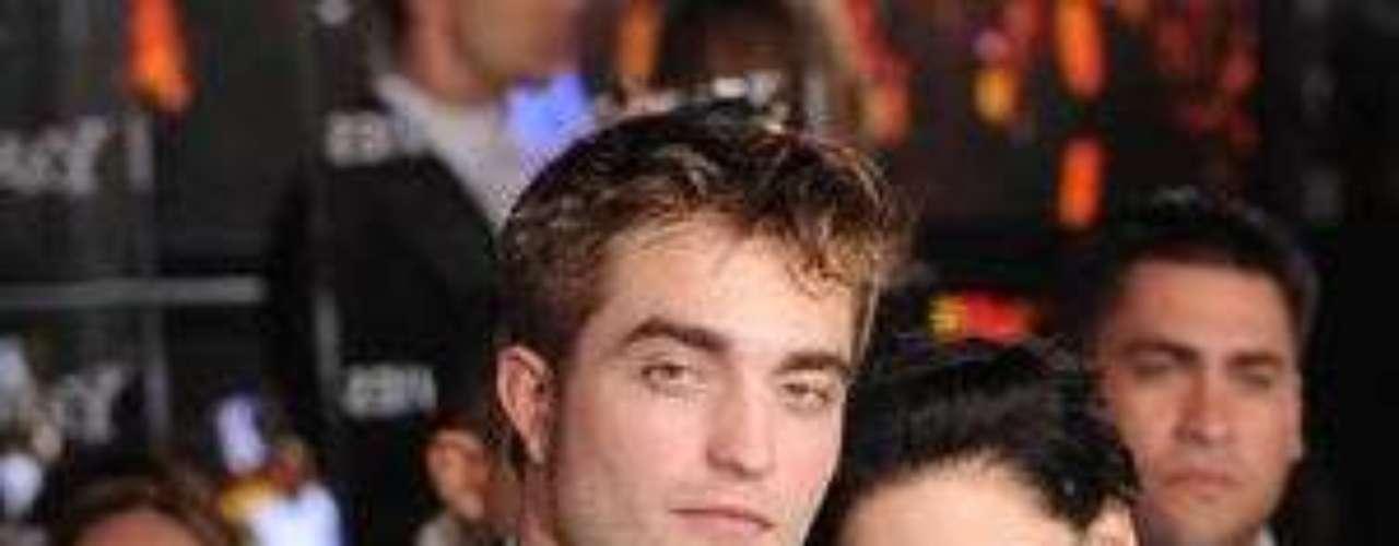 La actriz Kristen Stewart confirmó los rumores de que fue infiel a su pareja Robert Pattinson con el director de su última película \