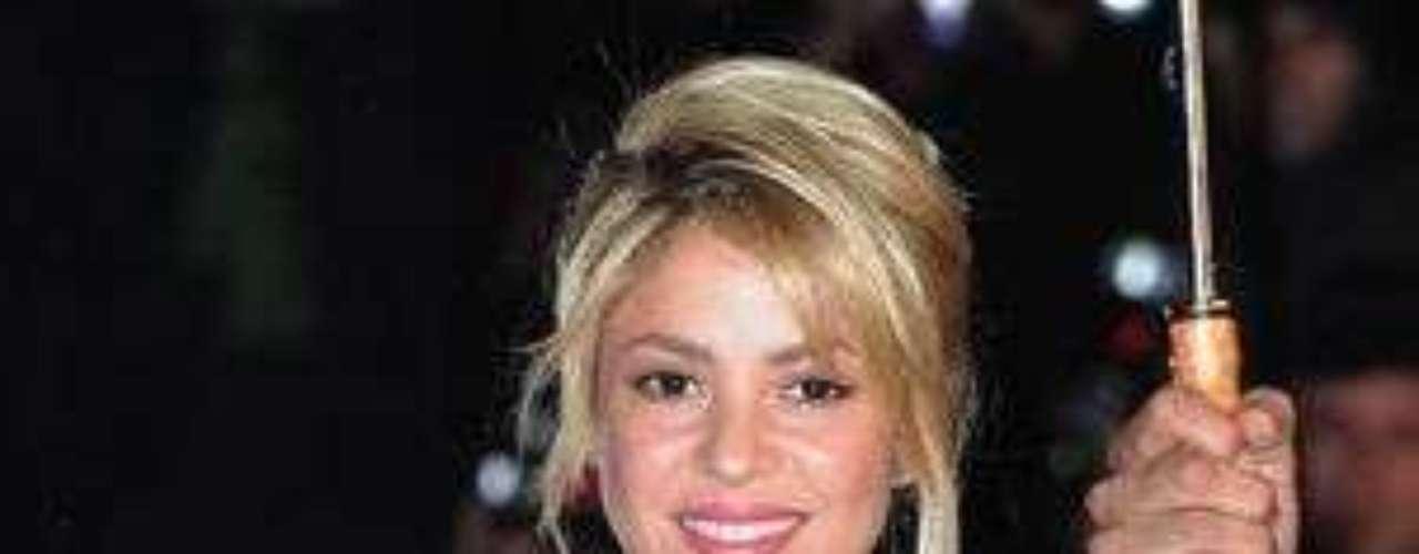 Shakira estaría invitada a la boda de Antonio de la Rua: La colombiana quien sostiene una relación hace más de un año con el futbolista Gerard Piqué podría estar invitada a la boda de su exnovio Antonio de la Rúa y la Miss Colombia Daniela Ramos.