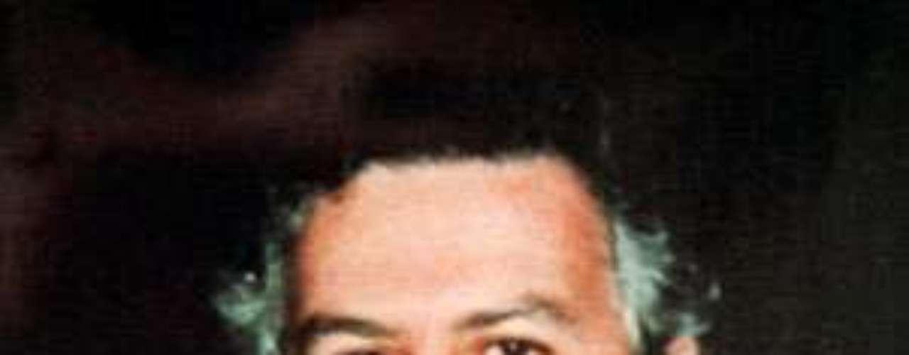 Pablo Escobar murió a manos de la fuerza pública en diciembre de 1993, un año y medio después de su fuga, pero sus huellas siguen vivas en Colombia y sobre todo en Medellín, epicentro de la actividad criminal del mayor narcotraficante de la historia del país. (Fuente: EFE)