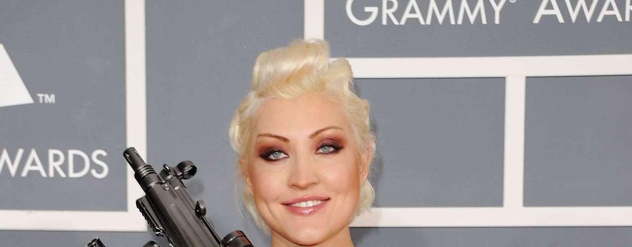 Sasha sorprendió este año en los Grammy con su brazo armado.
