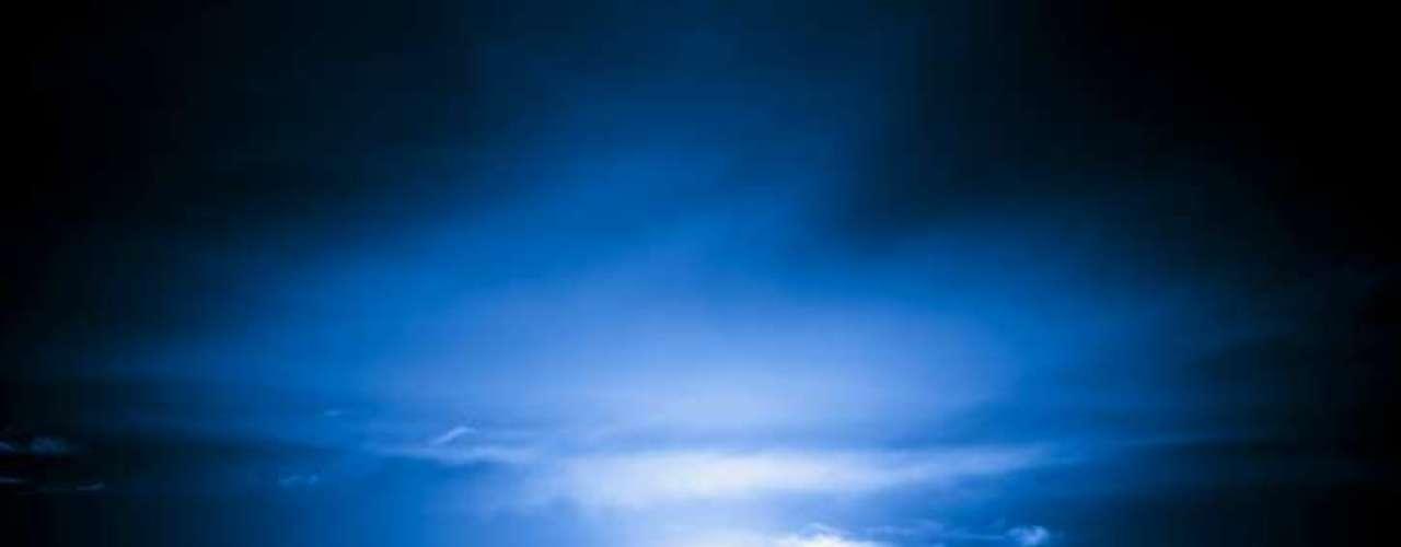 Otra explicación dice que se llamó Blue Moon al fenómeno de dos lunas llenas en un mismo mes debido justamente a la rareza que implica.