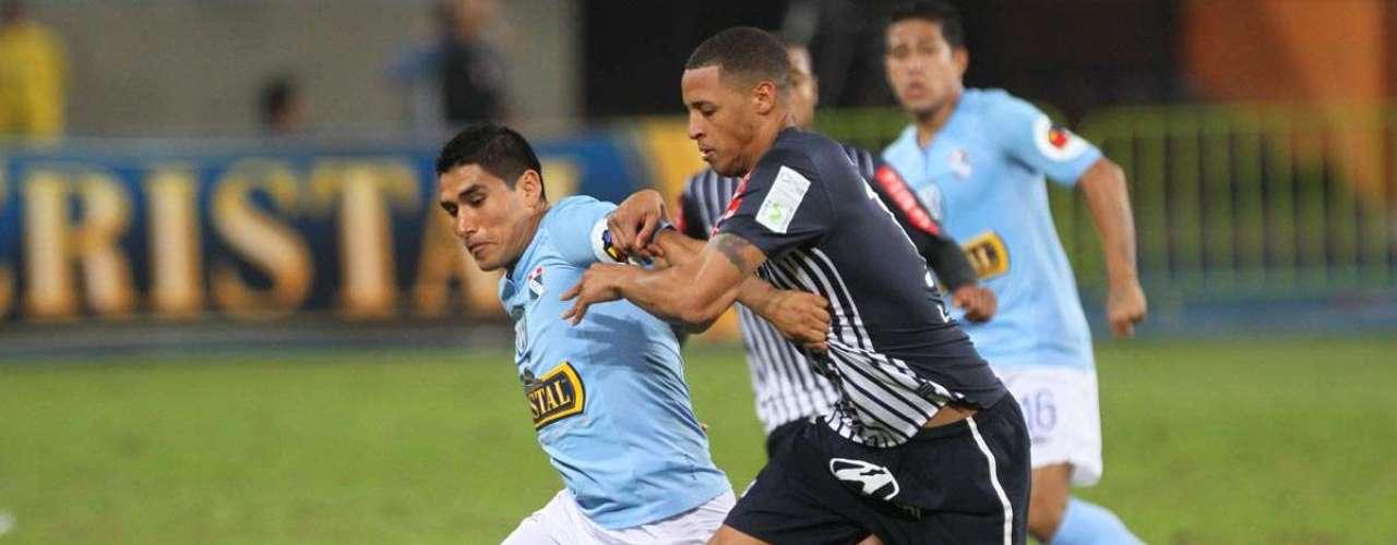 Alianza Lima y Sporting Cristal se miden en el Estadio Nacional por la fecha 26 de la Copa Movistar.