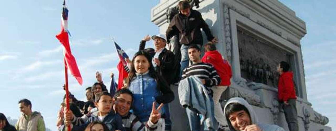 La alegría por la noticia recorrió todo Chile y el mundo.
