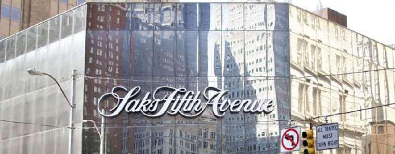 A partir del próximo lunes, los manifestantes pedirán, además, un boicot contra los grandes almacenes Saks Fifth Avenue, donde Slim controla el 16 % de las acciones.