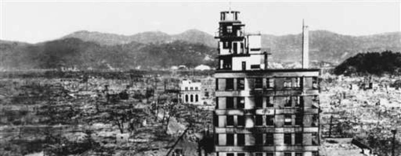 Agregó que el accidente nuclear en la planta de Fukushima del año pasado muestra los peligros de la tecnología nuclear aunque tenga fines pacíficos, y exhortó al gobierno a crear una mezcla de fuentes de energía para Japón que sea segura.