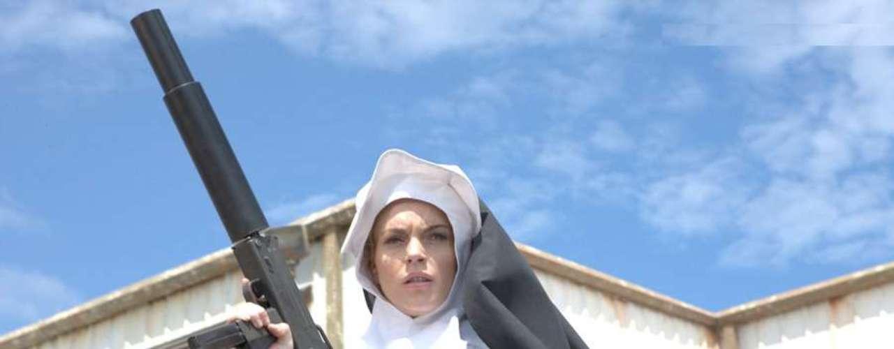 Lindsay Lohan se unió al listado de las mujeres de Robert en 'Machete' como una monja asesina