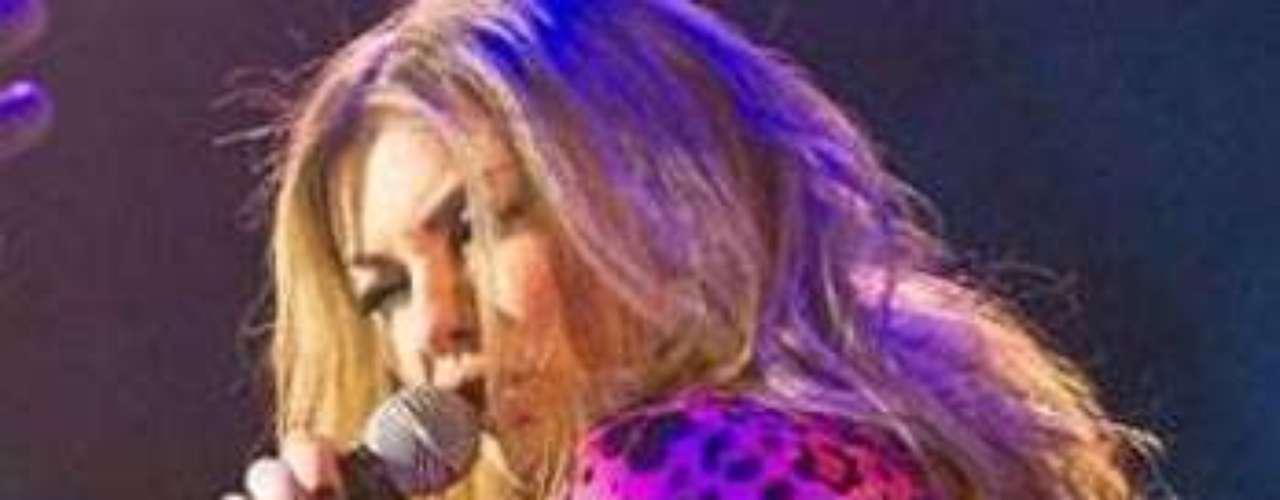 La tanga de Amaia Montero le jugó una mala pasada mientras daba un showcase, para presentar lo mejor de su último álbum, \