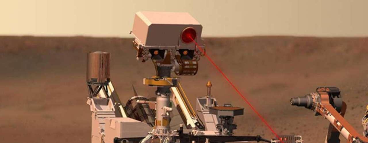 Curiosity está equipado con una cámara que puede indentificar la composición de las rocas. Los generadores de plutonio del jeep robot pueden proveer energía durante 14 años.