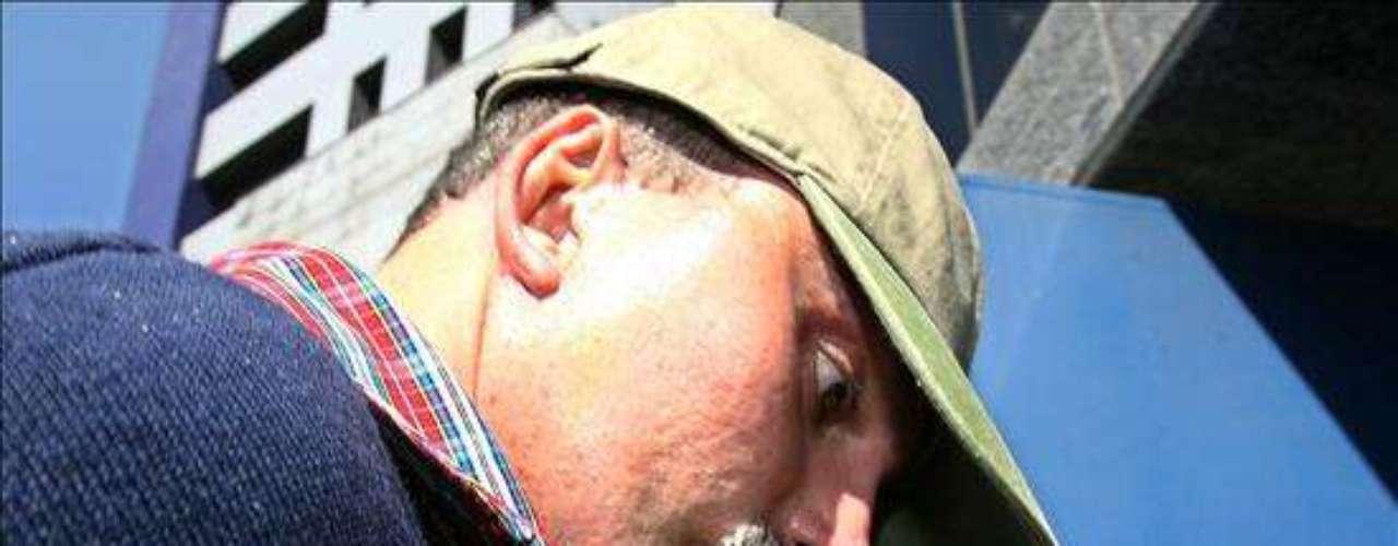 Juan Carlos Abadía alias Chupeta fue detenido el 7 de agosto del 2007 en Sao Paulo, Brasil, donde llevaba una vida llena de lujos. Las autoridades brasileñas le incautaron, entre muchos otros bienes, un yate valorado en un millón de dólares, varios jet-skis y vehículos blindados, los cuales fueron subastados. El narcotraficante huyó a Brasil después de ser condenado por el delito de drogas en Colombia.