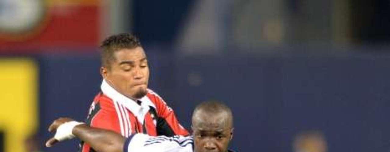 Lass Diarra vio acción y contuvo los intentos de Kevin-Prince Boateng.