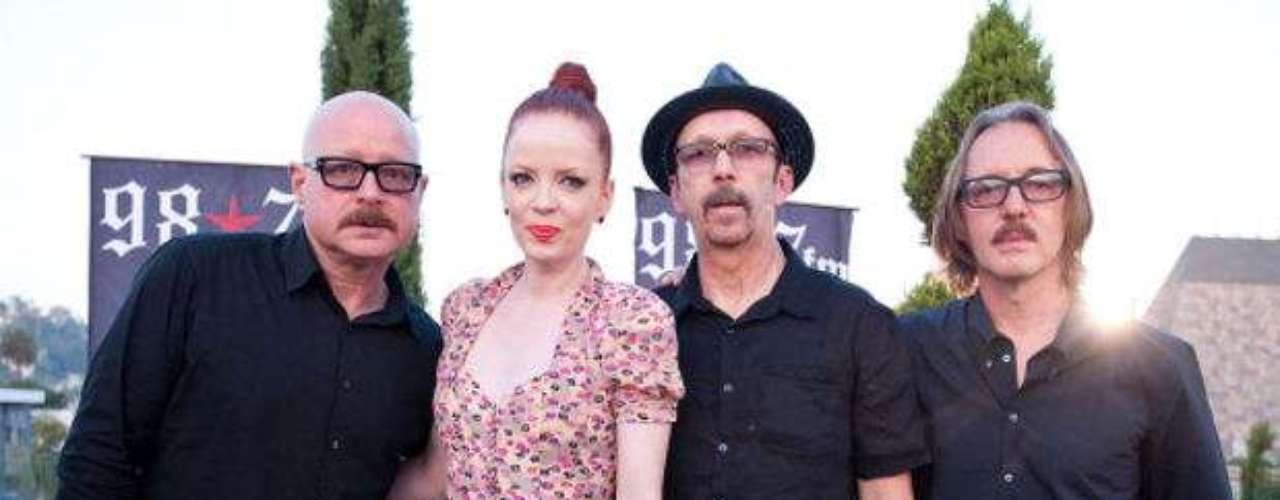Garbage está integrado por Steve Marker (guitarrista), Shirley Manson (voz), Duke Erikson (guitarra y teclados) y Butch Vig (batería).