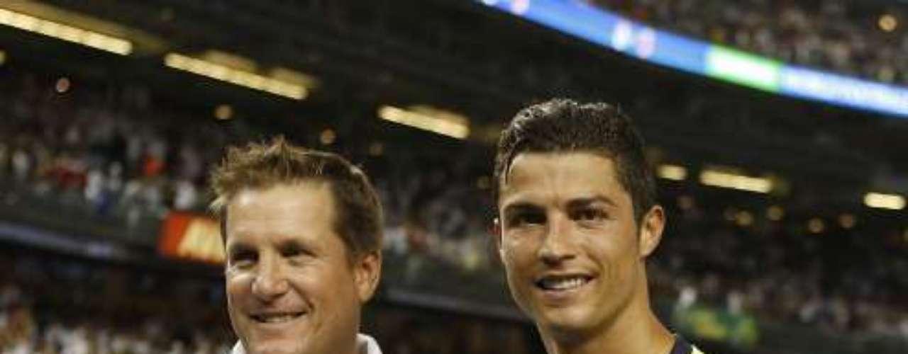 Cristiano recibió un trofeo como el Man of The Match (Jugador del Patido).