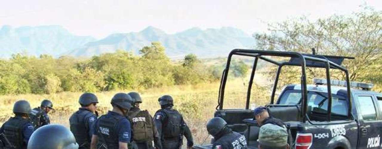 Conocido como 'El más loco', 'El chayo' o 'El doctor', Nazario Moreno González, fue lider del cártel de droga 'La Familia', con sede en el estado de Michoacán. Luego de varias horas de enfrentamiento con las fuerzas de seguridad, 'El más loco' murió abatido a tiros en diciembre del 2010. Curiosamente hoy se venera como todo un santo de la droga.